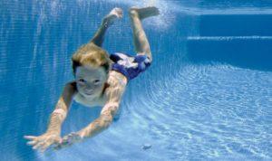 pool floor cleaning